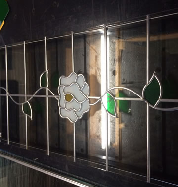 Floral leaded glass design